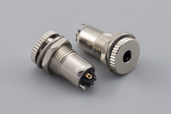 Connector, 4C audio jack, 3.5x20.5 mm, panel mount, nickel plated, threaded, nut and washer